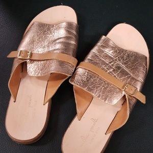 Mila paoli rose gold flat sandal